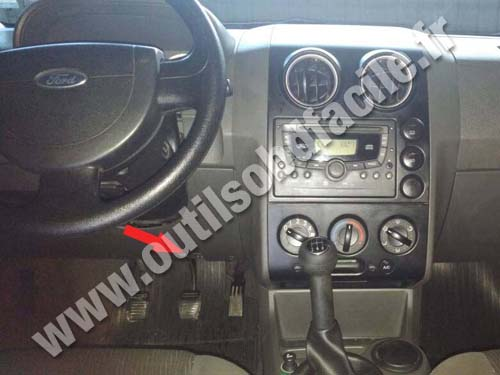 2017 Ford Transit >> OBD2 connector location in Ford Ecosport (2003 - 2012) - Outils OBD Facile