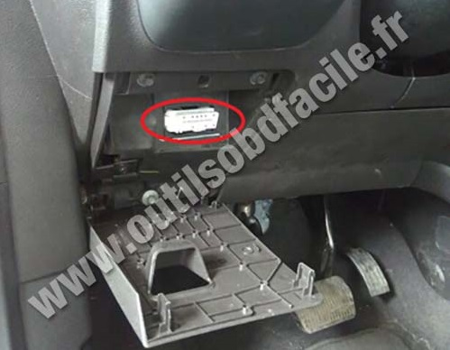 Obd2 Connector Location In Ford Escape 2013