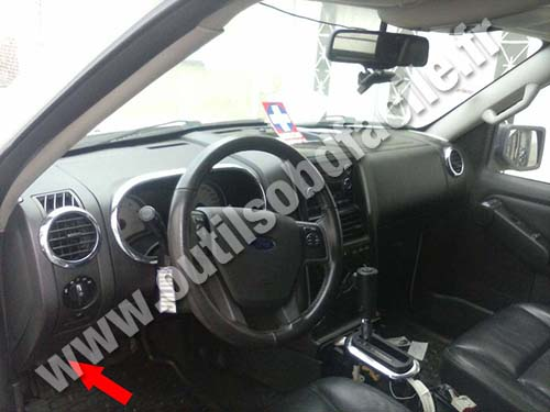 Ford Explorer Sport Trac - Dashboard