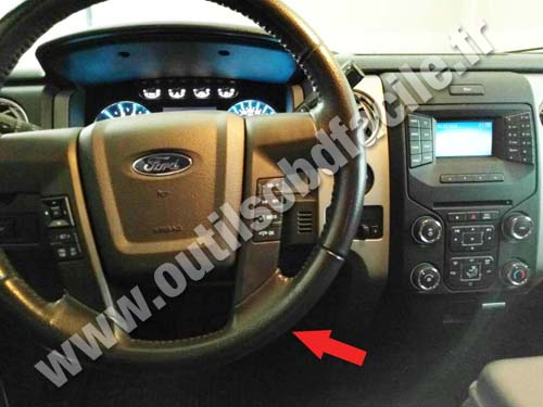 OBD2 connector location in Ford F150 (2008 - 2014) - Outils