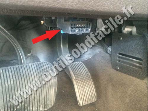 OBD2 connector location in Ford F150 (2015 - ...) - Outils OBD Facile