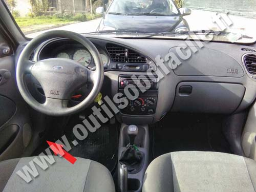 Ford Fiesta IV - Dashboard