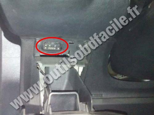 Ford Galaxy - OBD II socket