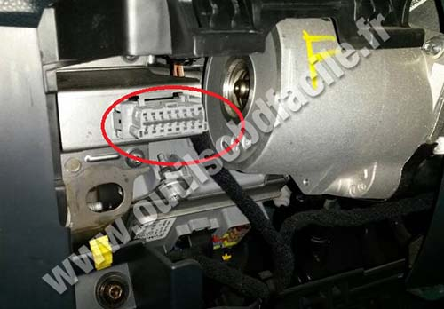 ford ka socket diagnostic obd2 obd2 connector location in ford ka (2008 2014) outils obd facile Ford Escape Electrical Diagram at webbmarketing.co