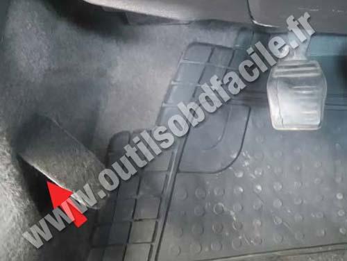 Ford Ka - Connector panel