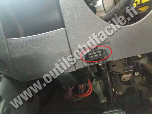 Ford Mondeo - OBD II socket