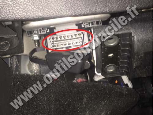Ford Mondeo - OBD II plug