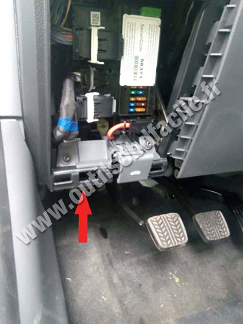 Obd2 Connector Location In Ford Ranger T6 2011