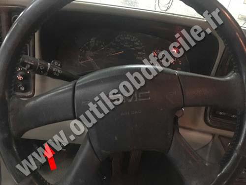 GMC Yukon - Steering wheel