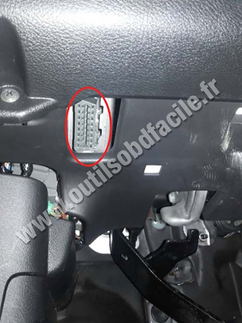 This Is A S le For And Wire Sensons in addition Honda Pilot Obd Socket furthermore Honda Accord Dashboard as well Honda C R V Dashboard also Honda Crv. on 2002 honda accord obd connector location