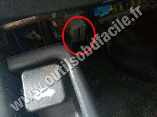 Honda Civic - OBD socket