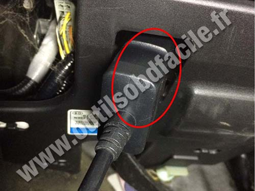 Honda Stream - OBD port