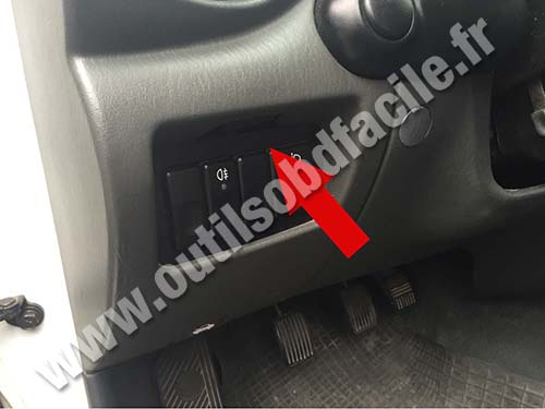obd2 connector location in hyundai accent 2000 2005 outils obd facile obd2 connector location in hyundai