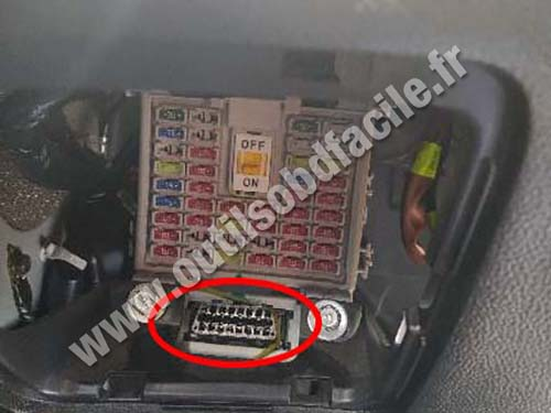Hyundai Creta - OBD socket