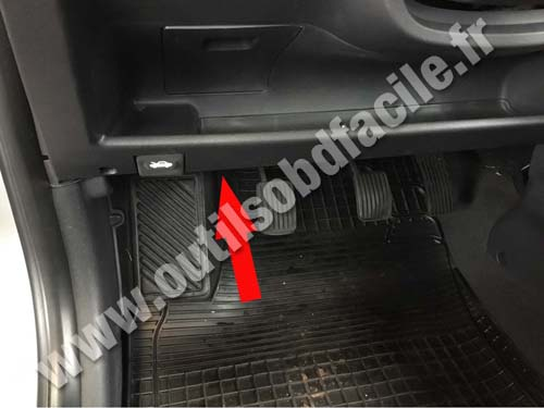 obd2 connector location in hyundai getz 2002 2009. Black Bedroom Furniture Sets. Home Design Ideas