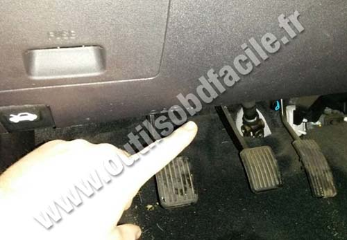 Obd2 Connector Location In Hyundai I10 2007 2013