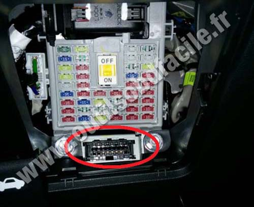 obd2 connector location in hyundai i20  2015 -