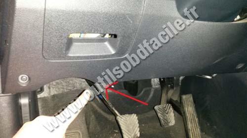 Obd2 Connector Location In Hyundai Ix35 2010 2014 Outils Obd Facile
