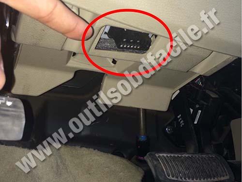 Hyundai Santa Fe OBD Connector