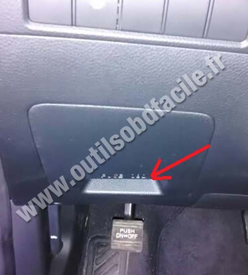 Obd2 Connector Location In Hyundai Santa Fe 3 Phase 1