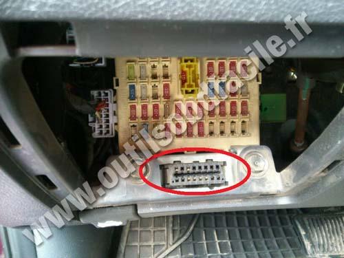 Obd2 Connector Location In Hyundai Solaris  2010 -