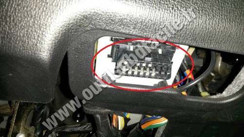 OBD2 connector location in Hyundai Sonata (NF) (2004 - 2010 ... on 1998 hyundai elantra radio harness, 1999 hyundai elantra wiring diagram, 2003 hyundai elantra wiring diagram, 1994 hyundai excel wiring diagram, 2006 hyundai santa fe wiring diagram, 2002 hyundai elantra wiring diagram, 2007 hyundai sonata wiring diagram, 2000 hyundai tiburon wiring diagram,