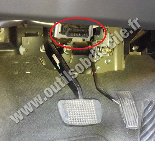 2004 Honda Accord Turn Signal Socket Harness together with Isuzu D Max moreover 69824 Please Help Need Match 3 Pin Wires Speedo Sensor furthermore 2014 Nissan Sentra Wiring Diagram together with 272606558788. on obd2 wiring diagram