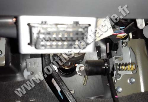 Obd2 Connector Location In Isuzu D Max 2002 2012