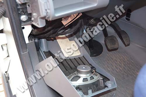 photo3 obd2 connector location in iveco daily (2009 2013) outils obd iveco daily fuse box diagram 2011 at n-0.co