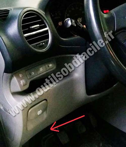 OBD2 connector location in Kia Carens 2006 2013 Outils OBD – Kia Spectra Obd2 Ecm Wiring