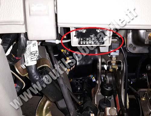 Kia Cerato Port Connector Obd Diagnostic on 2000 Kia Sorento