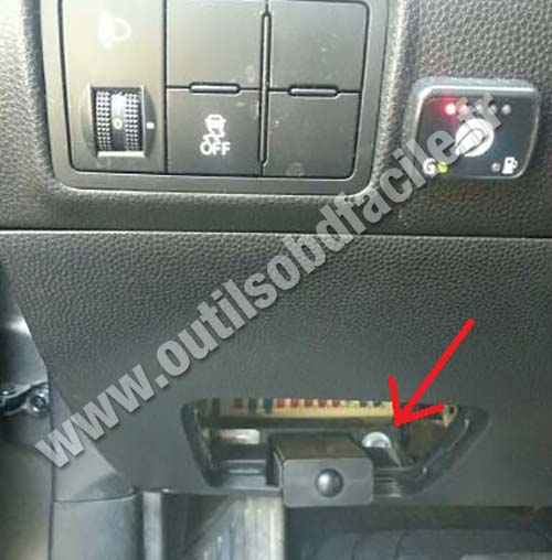 obd2 connector location in kia picanto  2011