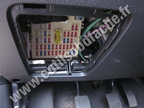 obd2 connector location in kia picanto  2004 2011 kia ceed fuse box location kia ceed 2009 fuse box location