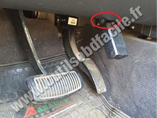 Kia Sorento OBD 2 socket