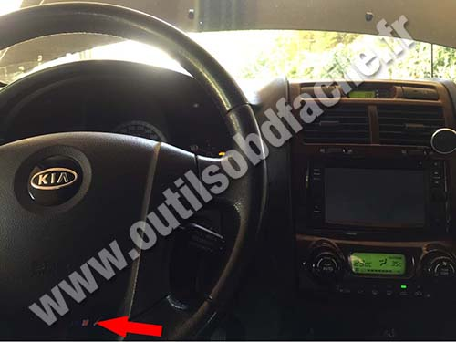 obd2 connector location in kia sportage (2004 2010) outils obd 2000 Ford F350 Steering Diagram kia sportage steering wheel