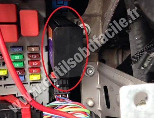 Lancia Delta OBD II plug