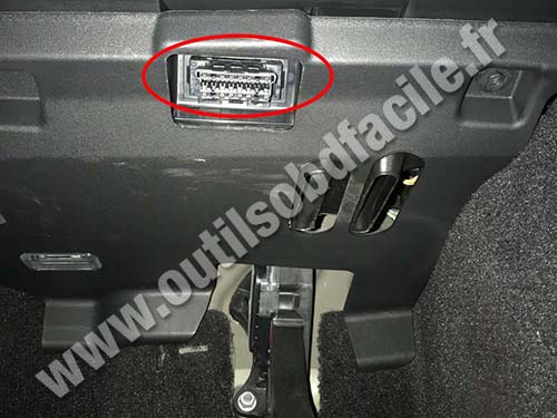 Land Rover Discovery - OBD plug