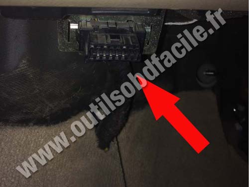 Land Rover Freelander OBD2 connector