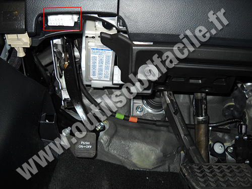Lexus CT 200h OBD2 socket