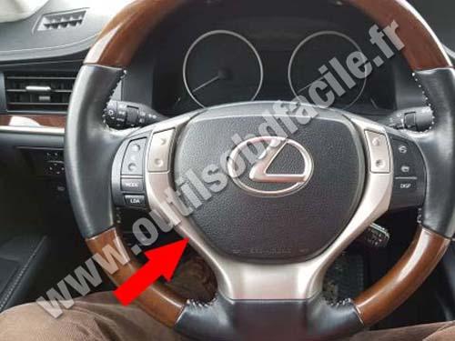 Lexus ES 350   Dashboard