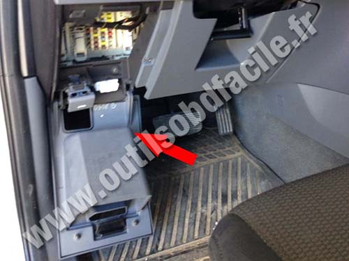 Mazda Bt Fuse Compartment on 2008 Mazda 3 Dlc Fuse