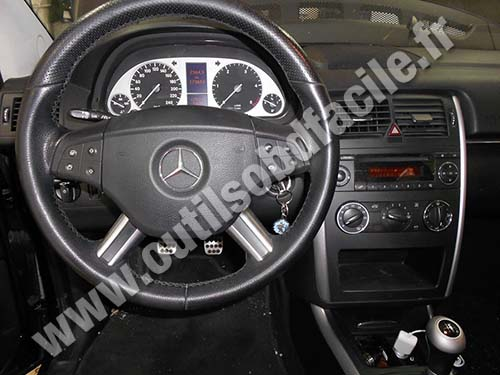 Mercedes B180 Dashboard
