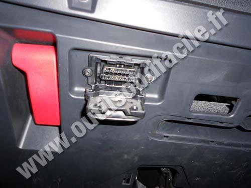 Mercedes B180 OBDII plug