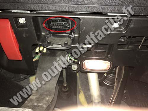 Mercedes classe B W246 - OBD II port