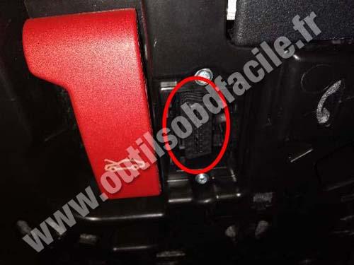 Mercedes E Class W213 - OBD plug
