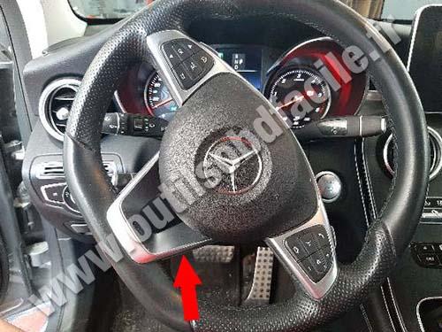 Mercedes GLC Class - Pédals