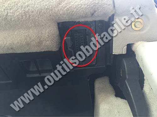 obd2 connector location in mercedes s class w220 1998. Black Bedroom Furniture Sets. Home Design Ideas