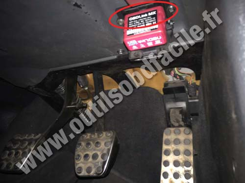 OBD2 connector location in Mercedes SLK Class - R170 (1996 ...