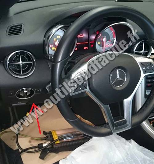 Mercedes SLK 200 dashboard