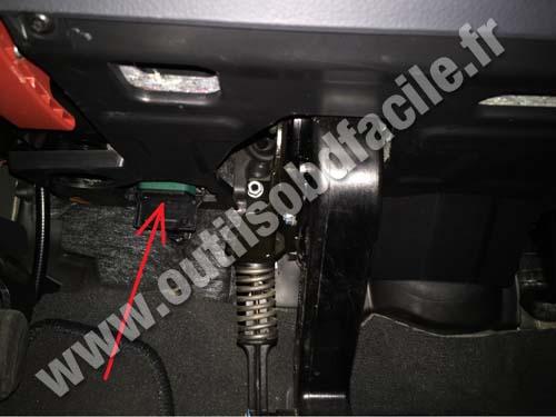 Mercedes Viano pedals